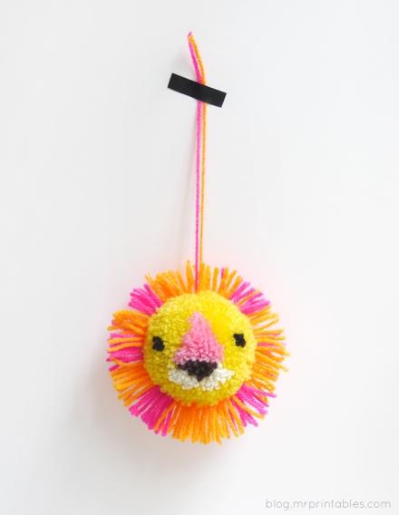 lion-pompom