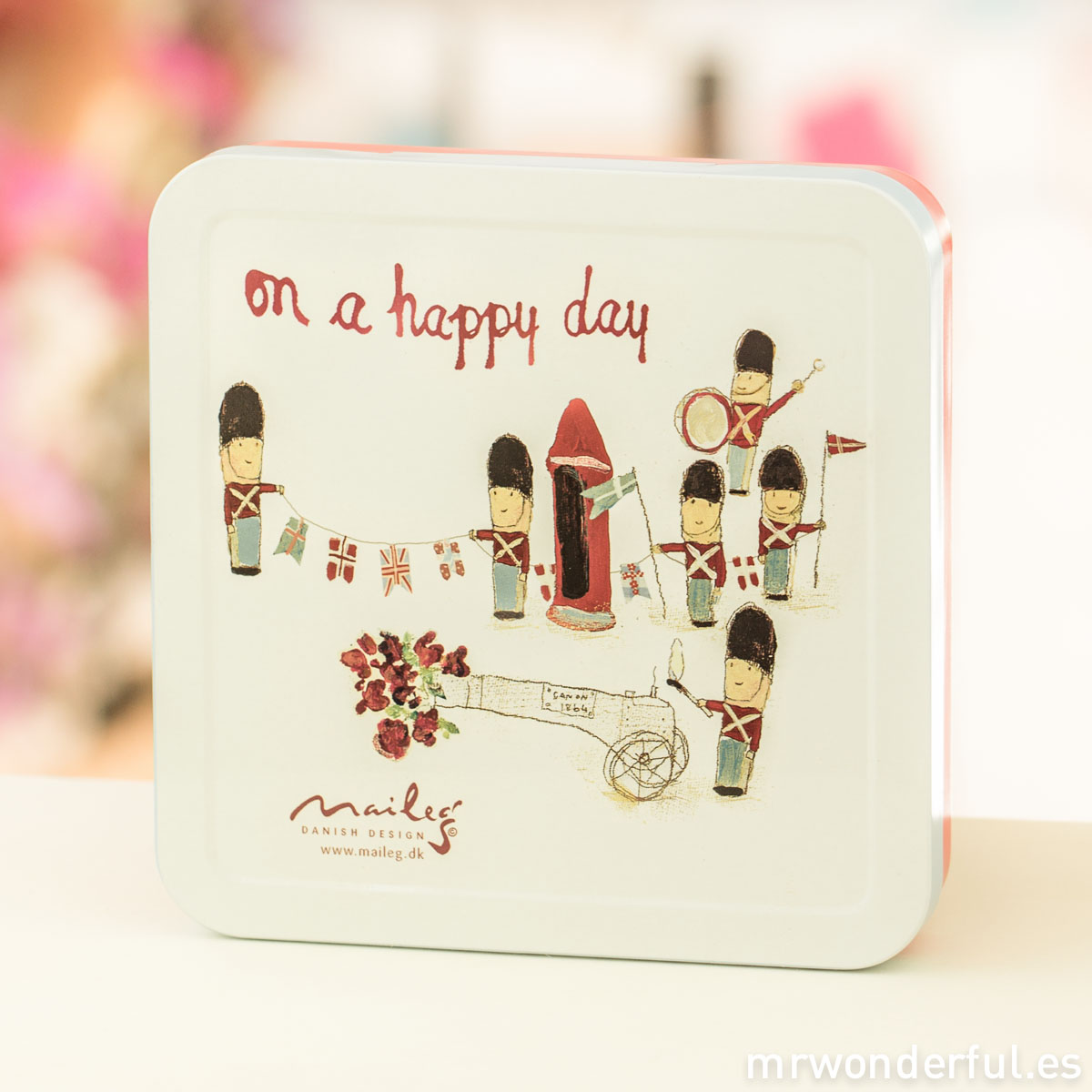 mrwonderful_16-3914-00_cajita-metalica_on-happy-day-5