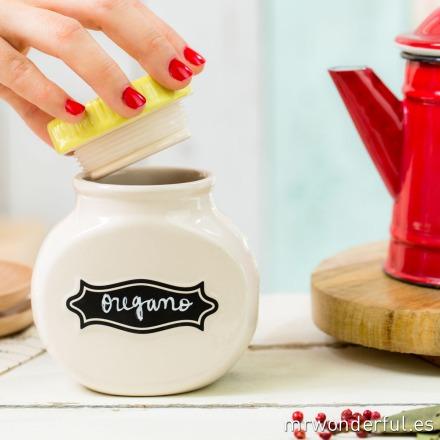 mrwonderful_24928_bote-ceramica-etiqueta-pizarra_tapa-amarilla-pequeño-20