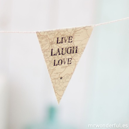mrwonderful_621_banderines-papel_live-laugh-love-7-2