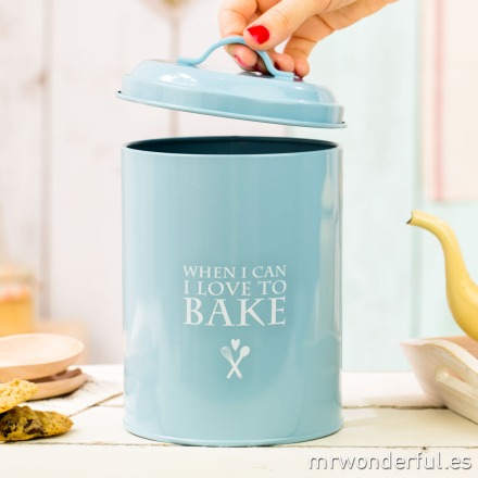 mrwonderful_690967_bote-metal-azul-tapa_I-love-to-bake-23