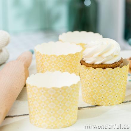 mrwonderful_GL0110_2_moldes-cupcakes_amarillo-estampado-floral-8