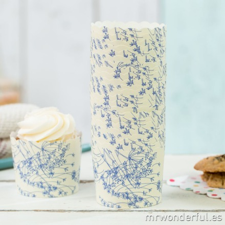 mrwonderful_GL0110_3_moldes-cupcakes_blanco-estampado-floral-3