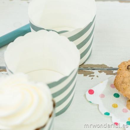 mrwonderful_GL0115_1_moldes-cupcakes_rayas-blancas-grises-10