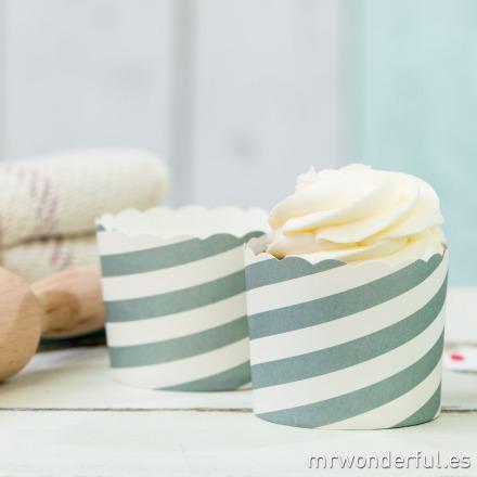 mrwonderful_GL0115_1_moldes-cupcakes_rayas-blancas-grises-12