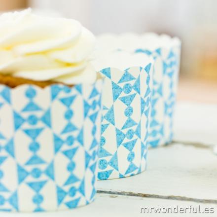 mrwonderful_GL0115_3_moldes-cupcakes_blanco-pajarias-azules-9
