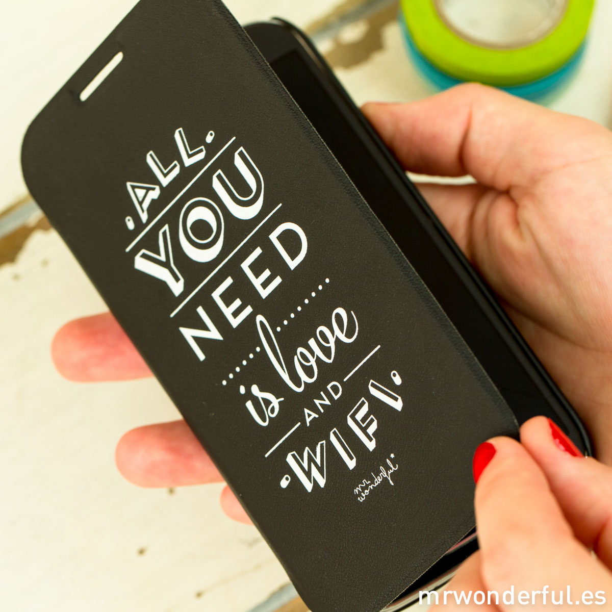 mrwonderful_MRFOL001_funda-negra-samsung-galaxy-S4_all-you-need-love-wifi-31