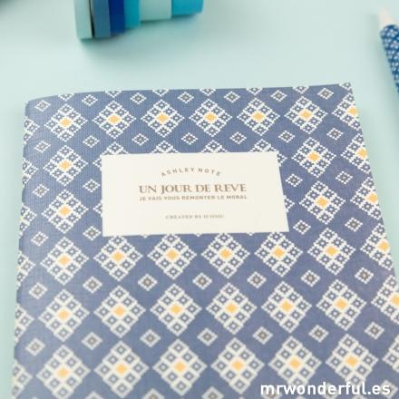 mrwonderful_2000_deepblue_libreta-pautada-mediana-azul-1