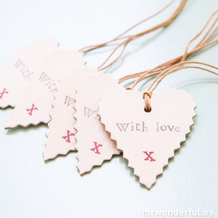 mrwonderful_2258_pack-5-etiquetas-forma-corazon-with-love-11