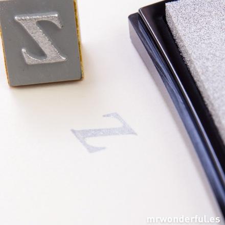mrwonderful_TUM-12_tinta-papel-plateado-13