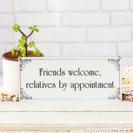 mrwonderful_WP1067_2_placa-metalica-friends-welcome-2