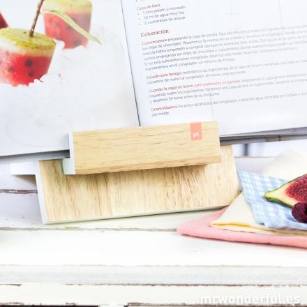 mrwonderful_PT2260WH_atril-madera-libros-recetas-5