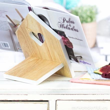 mrwonderful_PT2260WH_atril-madera-libros-recetas-8