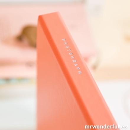 Mr.Wonderful Álbum de fotos photograph color Salmón