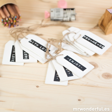 mrwonderful_LEV-5456_Surtido-etiquetas-madera-blanca-mensajes-7