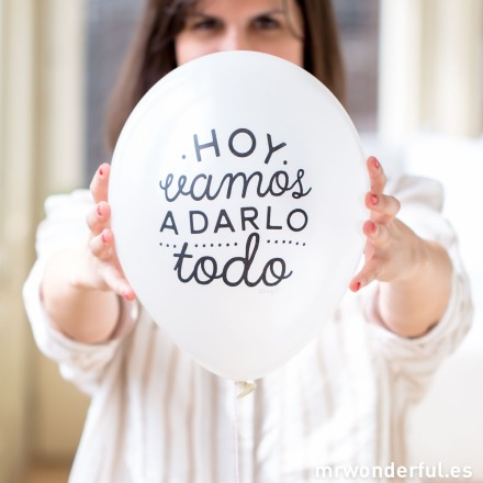 mrwonderful_8436547190768_GLOBO_01_Globos-boda-Blanco-metalico-97