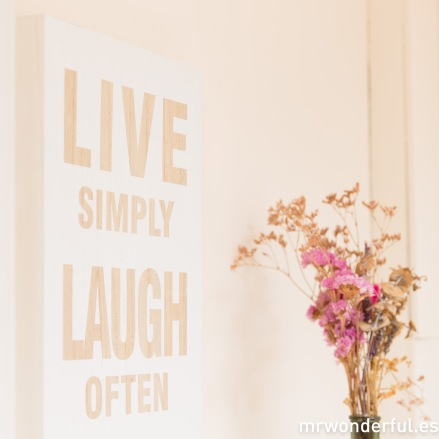 mrwonderful_65000_1_letrero-madera-live-laugh-love-blanco-13