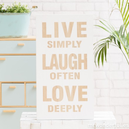 mrwonderful_65000_1_letrero-madera-live-laugh-love-blanco-2