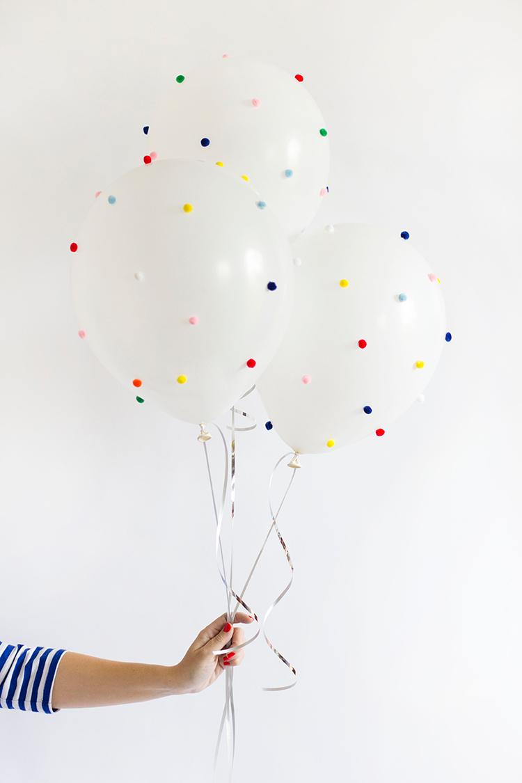 DIY-Pom-Pom-Balloon-2