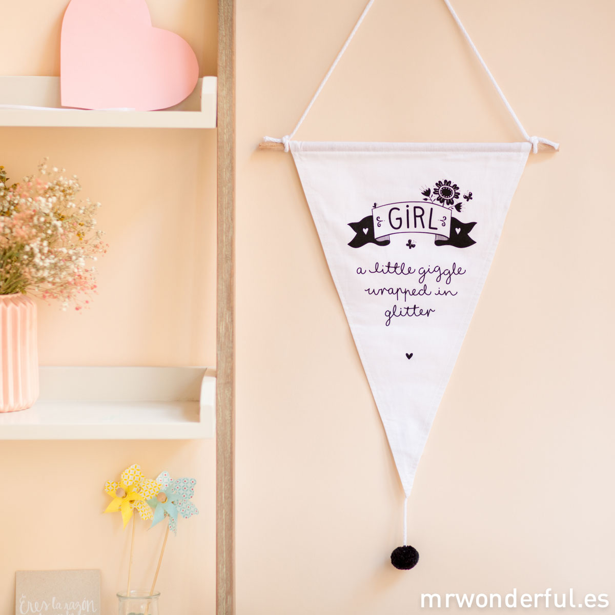 mrwonderful_PRA02780_LIFG005_little-lovely_banderin-girl_2016-1-Editar